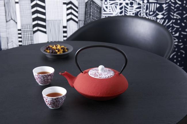 Tasse à thé Yantai rouge s/2